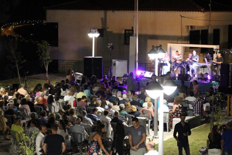 Οινοξένεια 2018: Μια υπέροχη γιορτή στην Πλατεία Πλατάνου – «πλημμύρισε» με κόσμο το «Μπαλκόνι του Κορινθιακού»